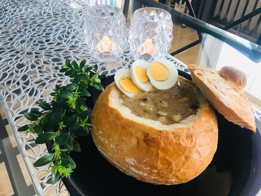 Żur na zakwasie żytnim w chlebie